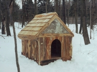 rustic_cedar_dog_house